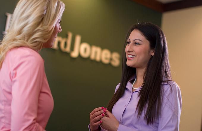 Advisors: How Do Edward Jones and Merrill Lynch Compare?