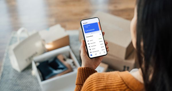 Tracking Bank Account Transactions With Mobile Banking