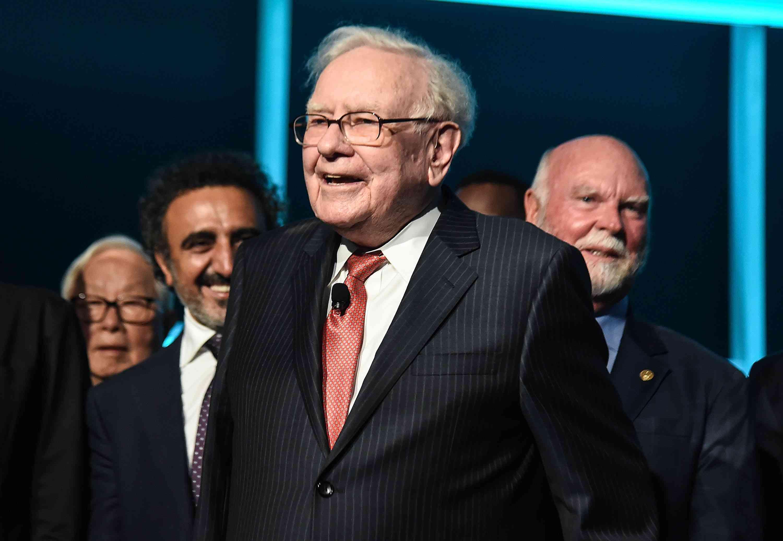 What Does Warren Buffett Own? (BRK B, PSX)