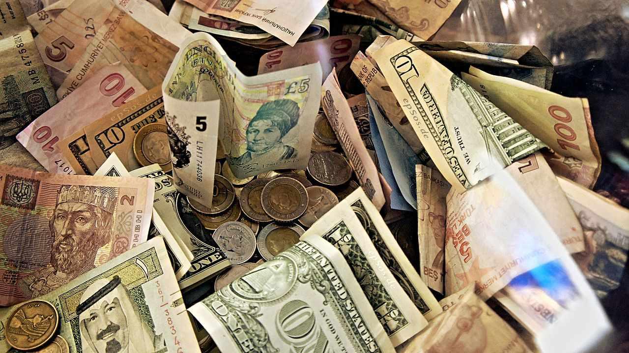 Understanding the spread in retail currency exchange rates