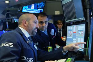 Traders at the New York Stock Exchange