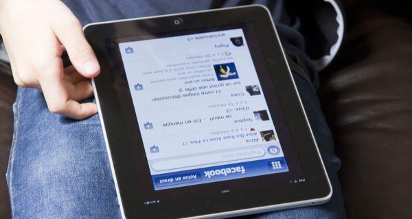 Using Facebook on iPad