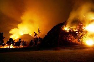 Wildfire in the Verdugo Hills threatens Burbank, CA, Oct 1 2005