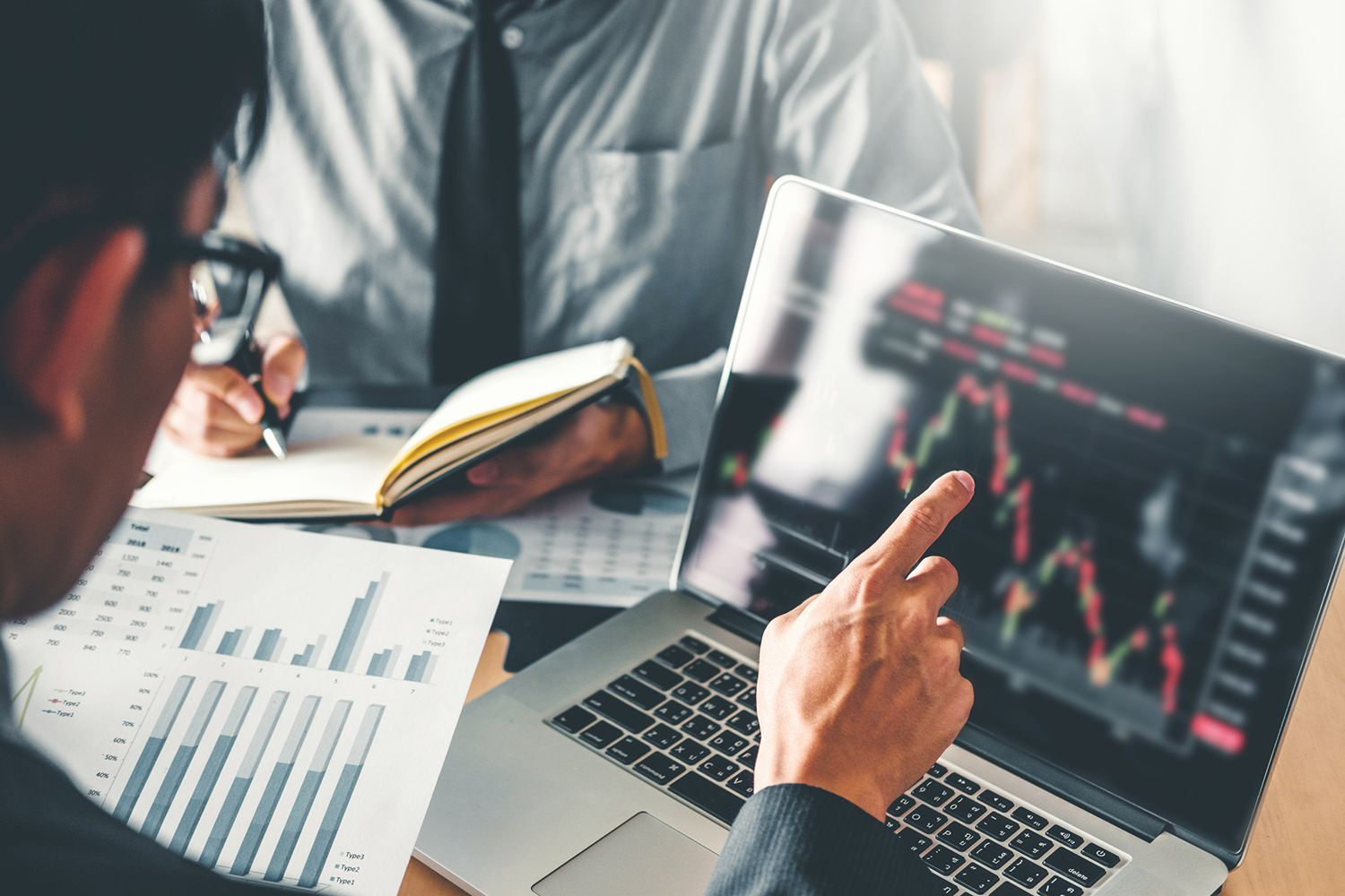 How to Analyze a Company's Financial Position