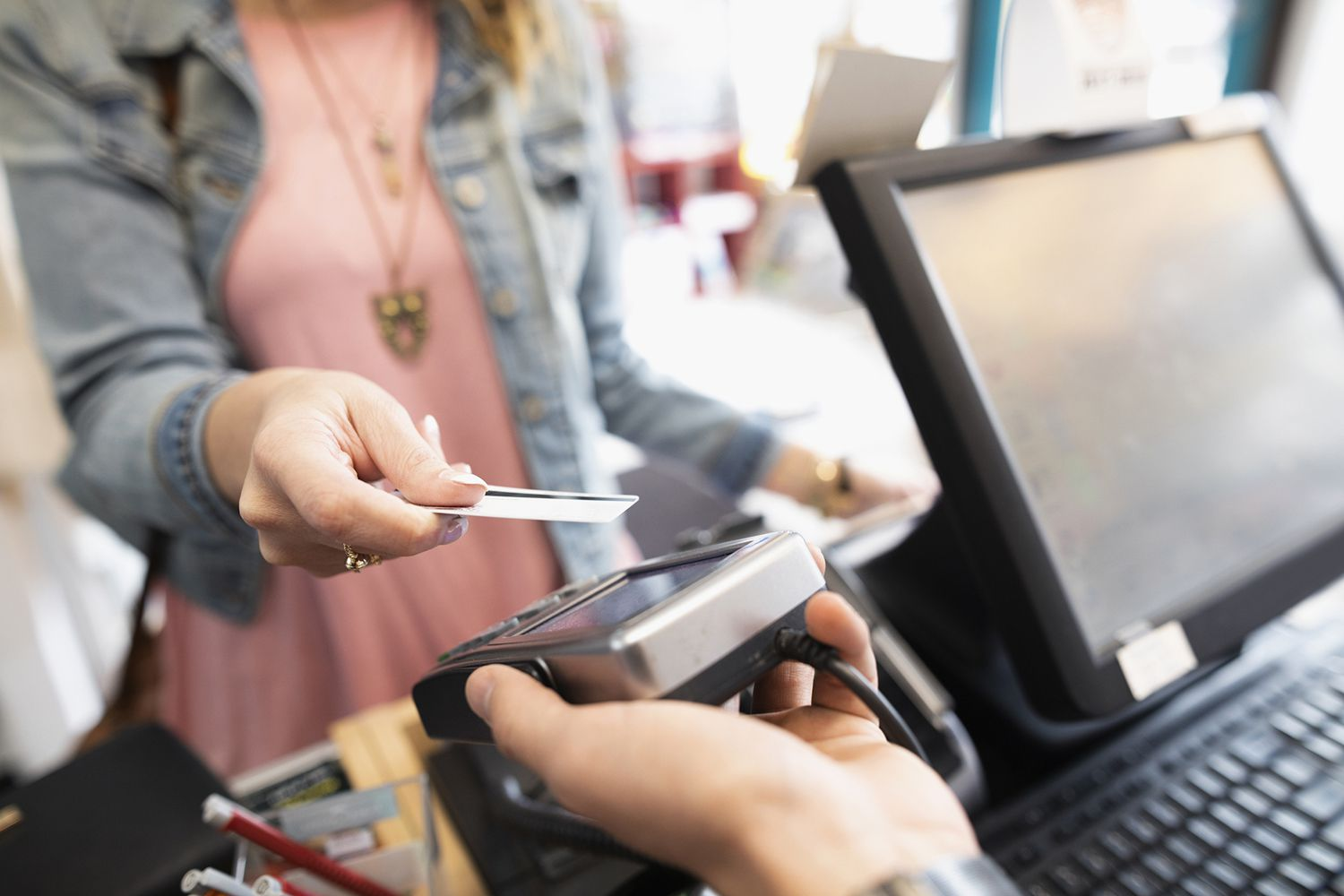 How Credit Card Companies Determine Credit Limit