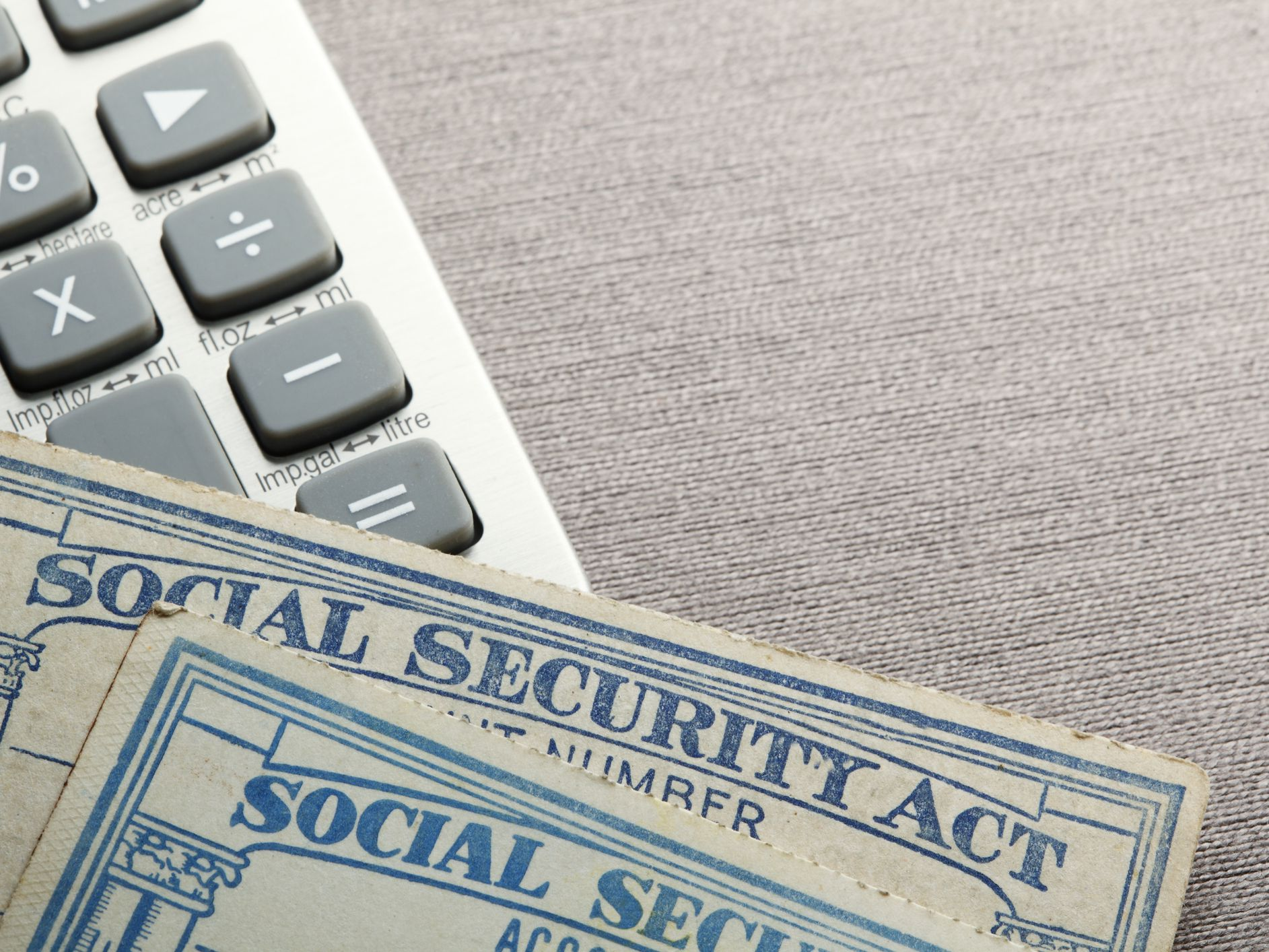 How Is Social Security Tax Calculated