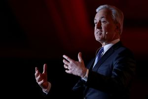 Wells Fargo CEO John Stumpf speaks at Bay Area Council Outlook Conference.
