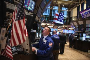 World Markets Drop Sharply Over Renewed Worries Over Greece