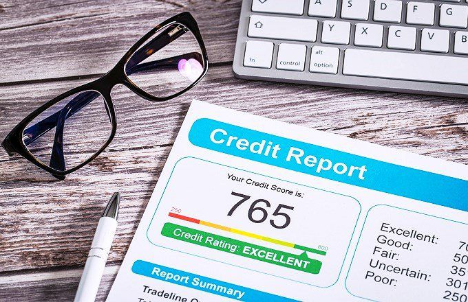 Experian vs. Equifax: What's the Difference?