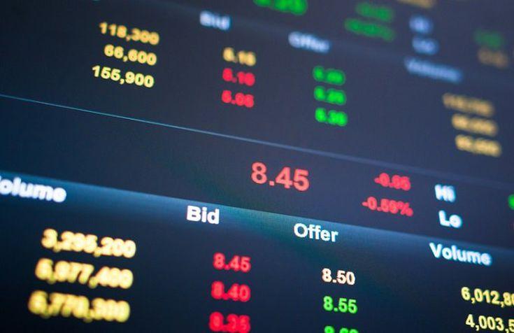 4 Economic Indicators That Move Financial Stocks