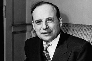 Benjamin Graham (1894-1976) fue un inversor estadounidense considerado como el padre del análisis fundamental y el value investig.