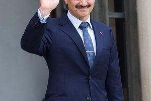 Saudi Prince AlWaleed bin Talal bin Abdulaziz Al Saoud arrives to meet French President Francois Hollande at the Elysee Palace on September 8, 2016 in Paris, France.