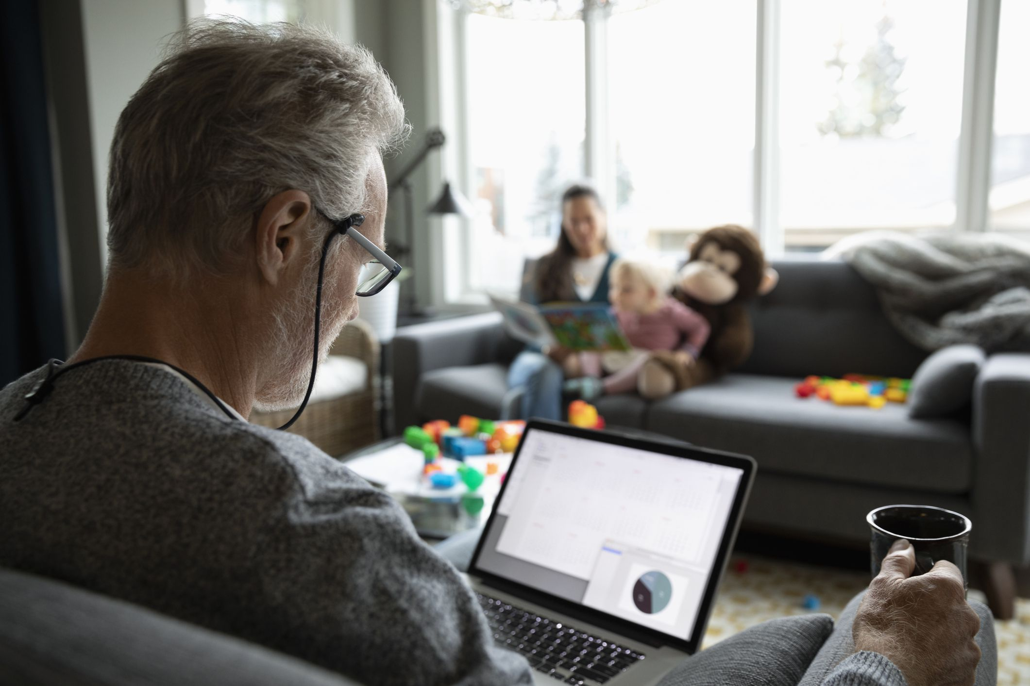 Should retirees reinvest their dividends?