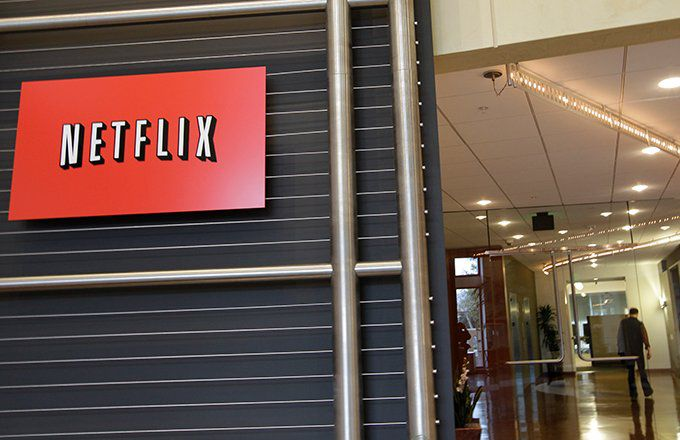 Netflix Completes Head and Shoulders Pattern