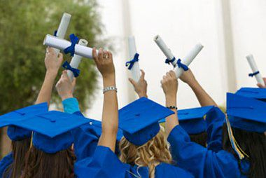 Scholarships And Grants For Future Financial Advisors