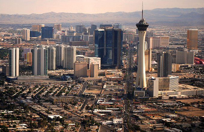 Airbnb or Hotel: Which Is Better for Vegas?
