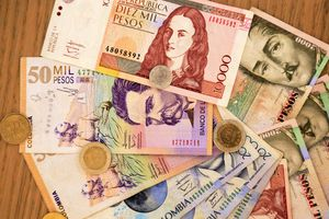 Paper currency and coins of Colombia