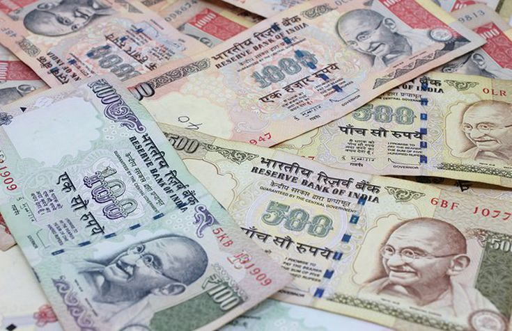 The Pros and Cons of a Fully Convertible Rupee