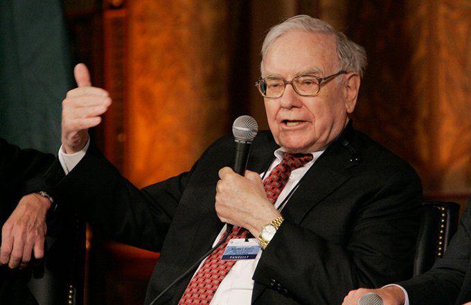 Warren Buffett: How He Does It