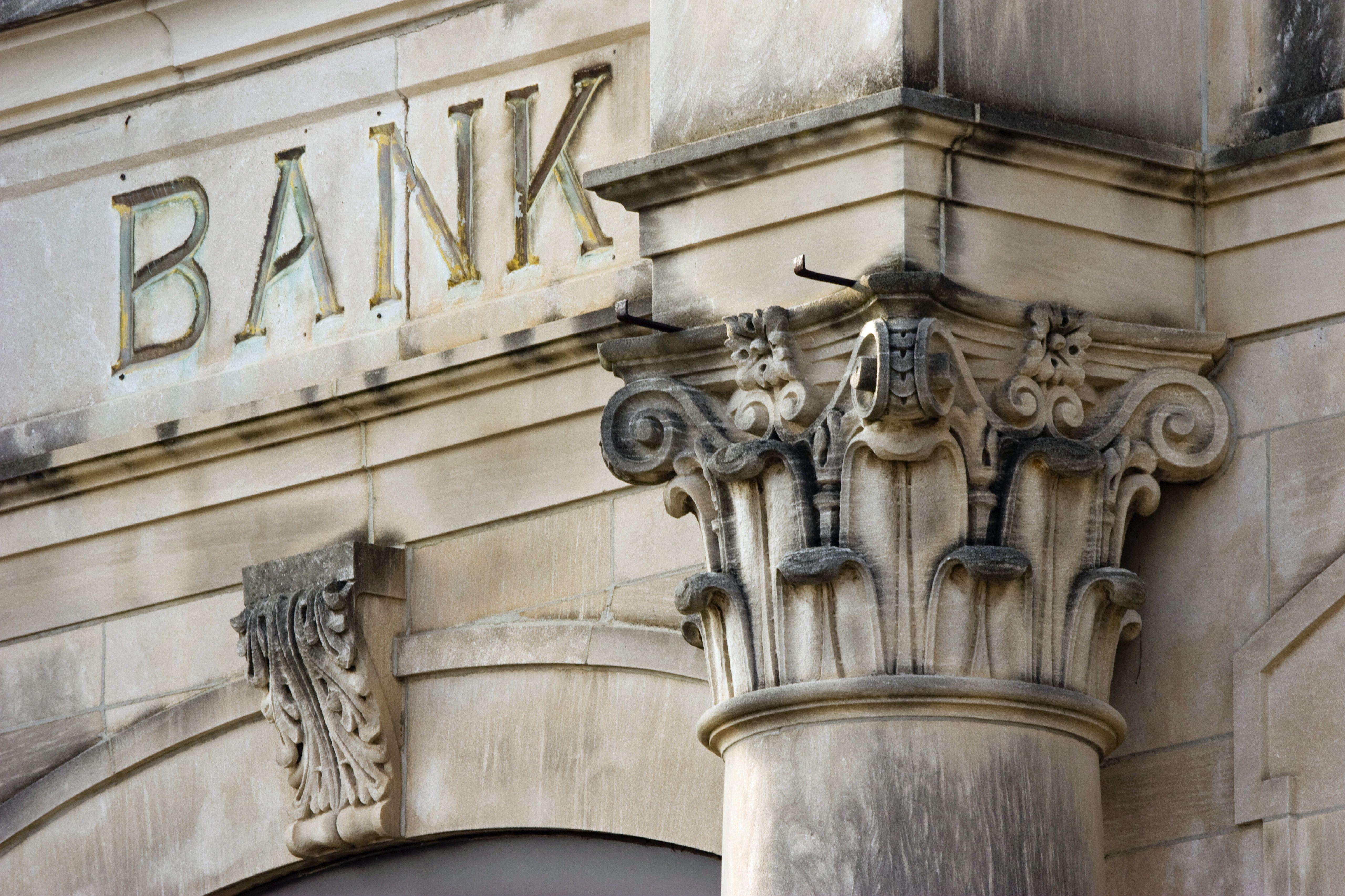 www.investopedia.com: Top 10 Asian American-Owned Banks