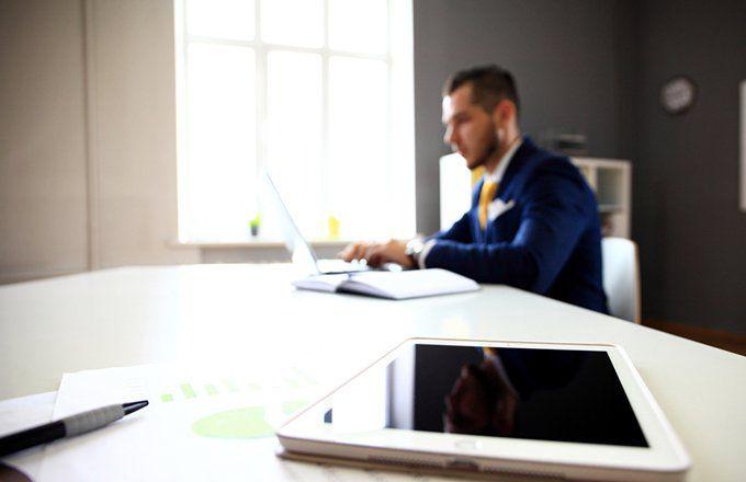 How to Become a Venture Capital Associate