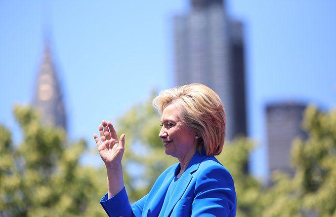 Starbucks CEO Endorses Hillary Clinton (SBUX)