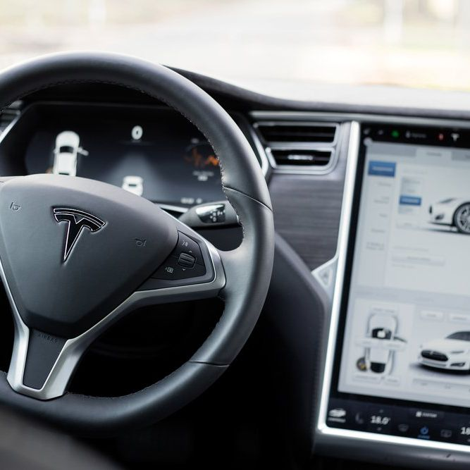 Tesla Stock Could Speed to $1,000 by 2020 (TSLA, GM)