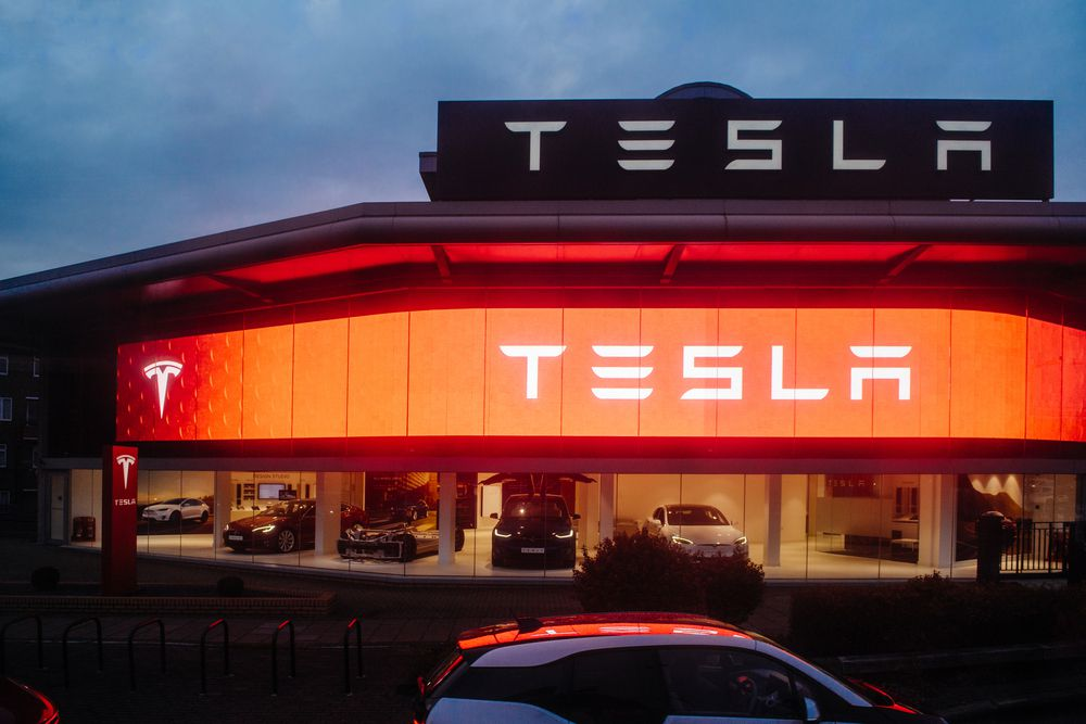 Tesla Shares Surge on Record Deliveries, Production in Q2
