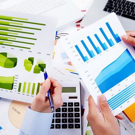 Understanding Financial Analyst vs  Actuary