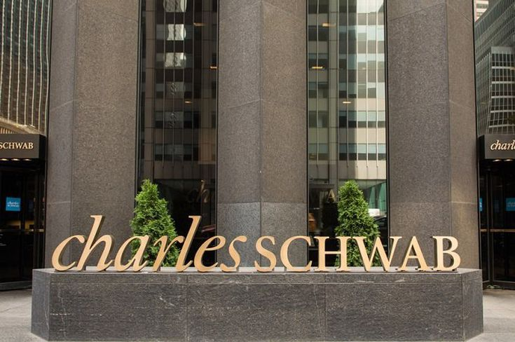 Charles Schwab to Launch Intelligent Income Tool in 2020