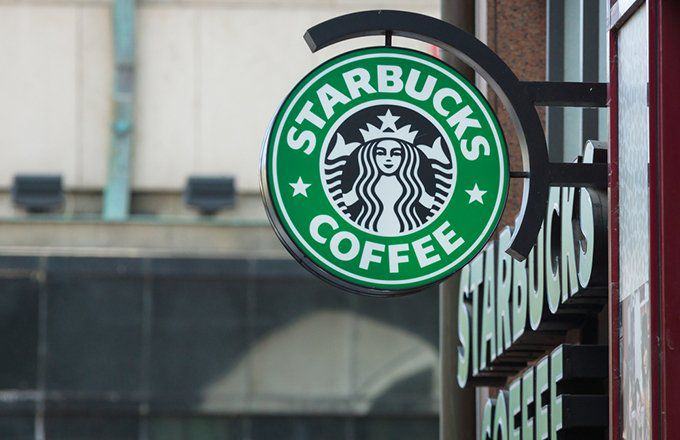 the first starbucks opened in 1970 in seattle washington