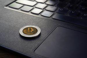 bitcoin and laptop