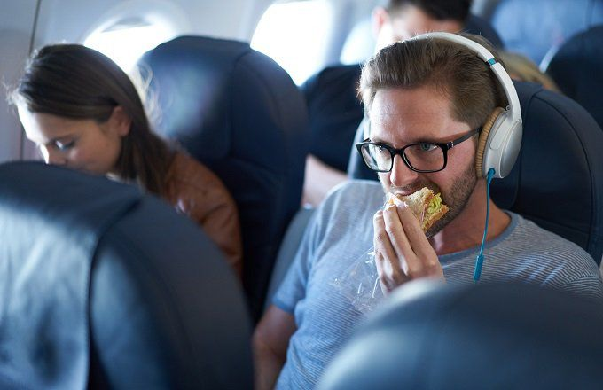How to Make an Excruciatingly Long Flight So Much Nicer