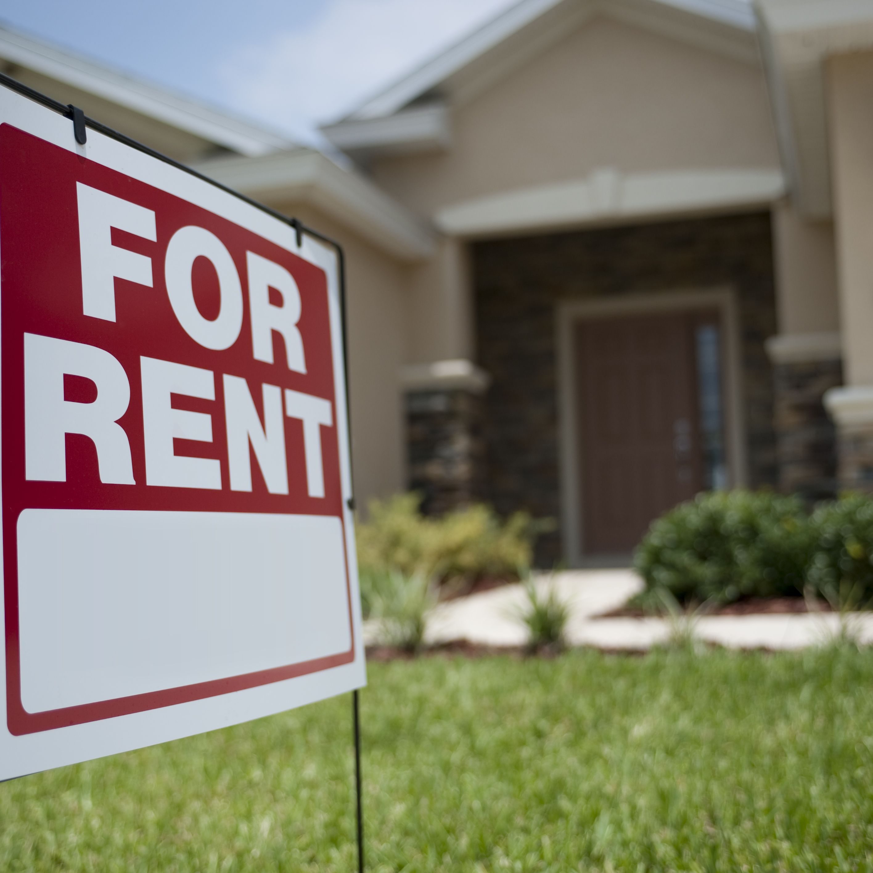 Buying a Second Home to Rent: Dos and Don'ts