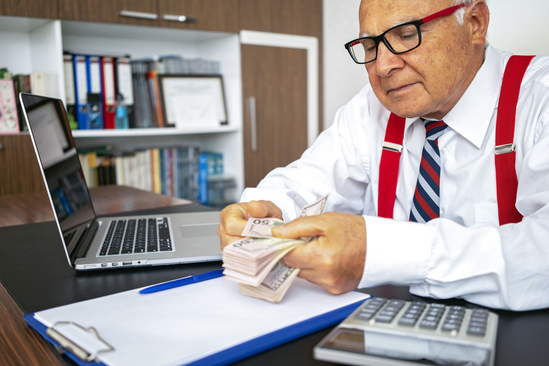 8 Strategies to Help Pay for Eldercare