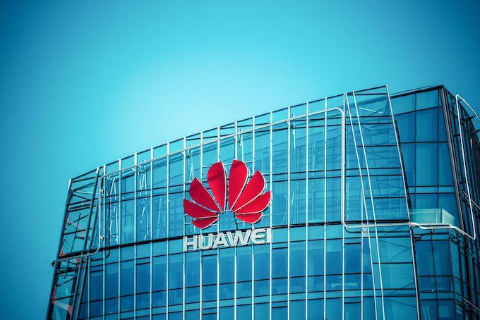 Huawei, Patent King, Preps for Long Trade Battle