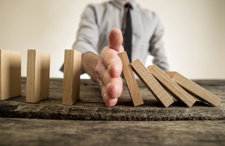Managing risks: a new framework.
