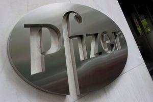 The Pfizer company logo.